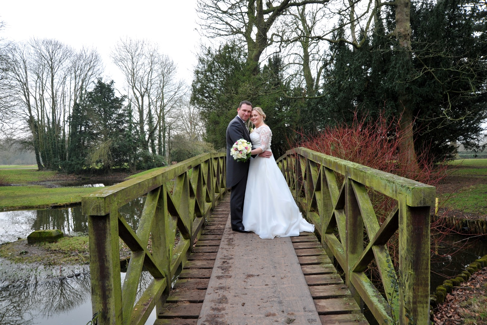 weddings-at-aldwark-bridge