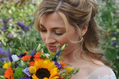 bride-flowers-photography
