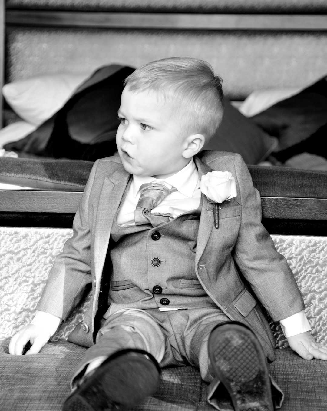 wedding-photography-pageboy