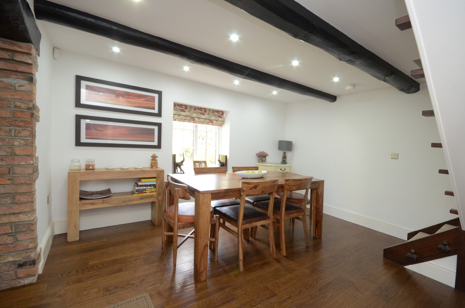 property-photographer-yorkshire-table