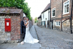 bride-groom-cobbled-street-york