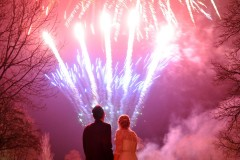 weddings-at-aldwark-fireworks